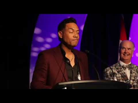 Roberto Alomar inducted to the Ontario Sports Hall of Fame