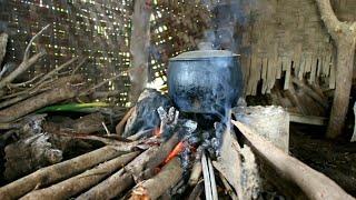 Ngeliwet Dan Makan Bersama Di Gubug Sawah
