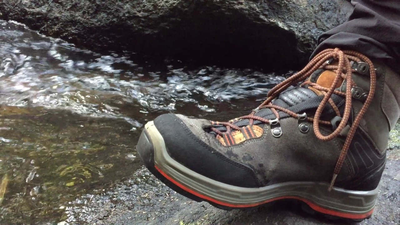 093e706aeab Quechua Forclaz 500 shoes waterproof test and review - YouTube