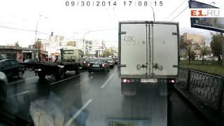 Дорожные разборки на перекрёстке Крауля-Токарей
