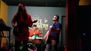 """WALK THIS WAY"" AEROSMITH-COVER BY THE FAMILY FRIENDLY CRIMINALS. 11/30/18 @THE BEE TAVERN"