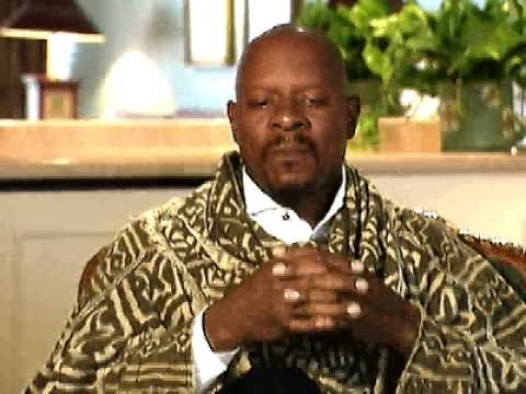 Avery Brooks talks Trek