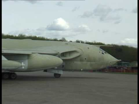 Accidental Handley Page Victor XM715 Teasin Tina Take Off At Bruntingthorpe Airfield Video (4:3)