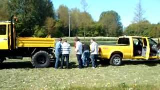 Unimog (140pk)  vs Ford F250 (350 pk)