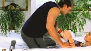 Были замечены ягодицы актрисы Болливуда Карины Капур (18+ горячие клипы актрисы)