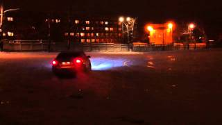 Subaru Legacy 3.0 donuts on ice (part 1)