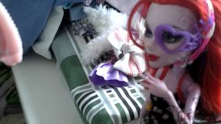 Мода всегда,и везде!Смешное видео с монстряшками!♡(Подпишись,подпишись на канал не мути!Ставь лойс! (Если кто не знал это лайк), 2015-04-19T06:24:05.000Z)