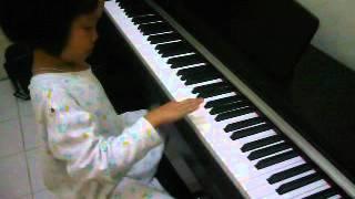 Ana bài hát đầu tiên