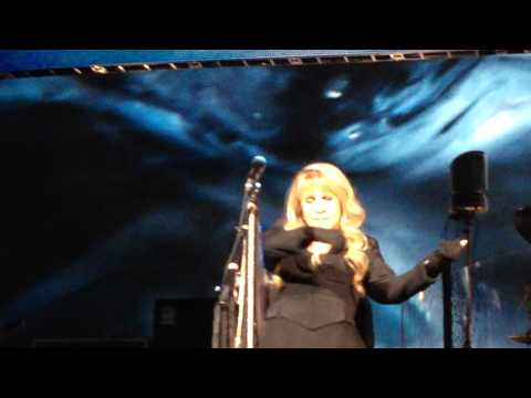 Seven Wonders ~ Fleetwood Mac Live Columbus, Ohio 10/19/2014