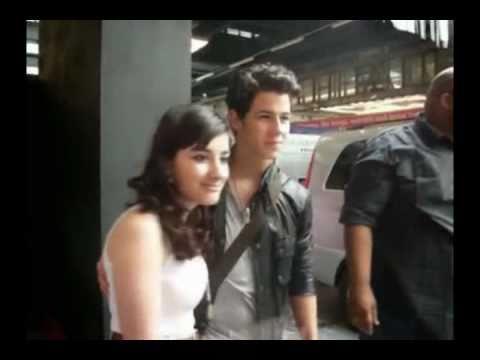 Nick Jonas conociendo fanserrores?