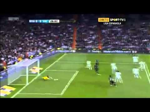 Mesut Ozil Great Chance - Real Madrid Vs Valencia