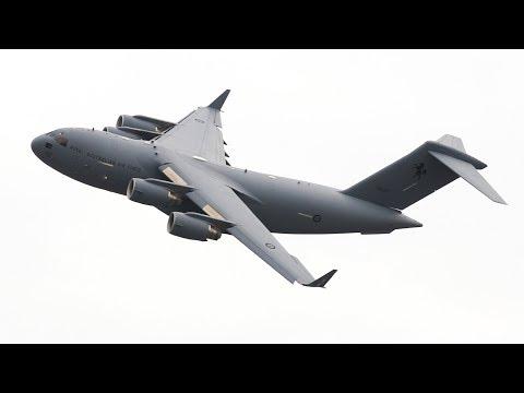 INSANE Riverfire 2018 RAAF C-17 Globemaster Flyover Practice