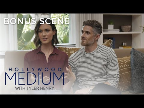 Tyler Henry Finds a Ghost in Dave & Odette Annable's House | Hollywood Medium with Tyler Henry | E!
