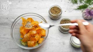 Салат из огурцов и моркови в пряном рассоле