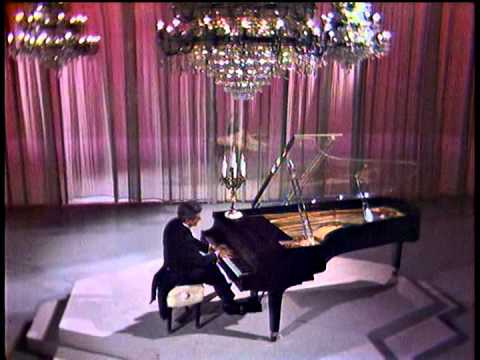 Liberace on The Dean Martin Show  Clair de Lune