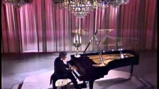 Liberace on The Dean Martin Show - Clair de Lune