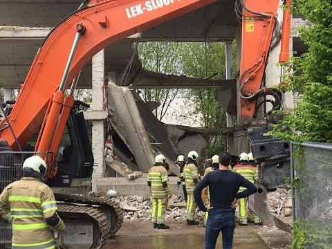 Man onder puin na instorting deel oude stadhuis | Woerden.TV