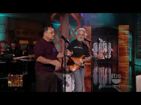Lopez Tonight - Cheech and Chong Interview & Sing