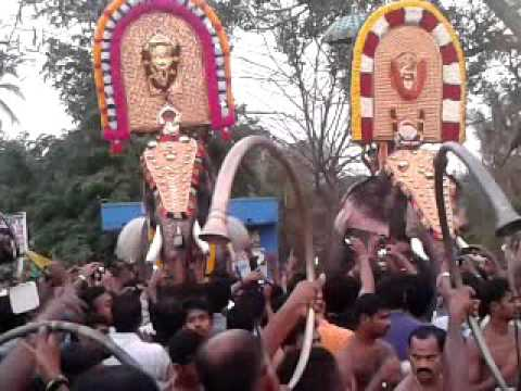 MangalamKunnu Karnan vs Puthuppally Keshavan@2013