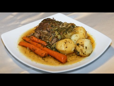 Beef Pot Roast With Carrots & Potatoes