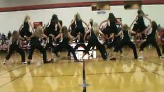 New London High School Dance Team Hip Hop(New London (WI) High School Dance Team performs their hip hop routine for the first time of the season., 2012-02-10T03:07:08.000Z)