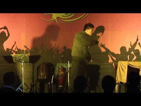 Thaomei freestyle robot rock dance.MP4