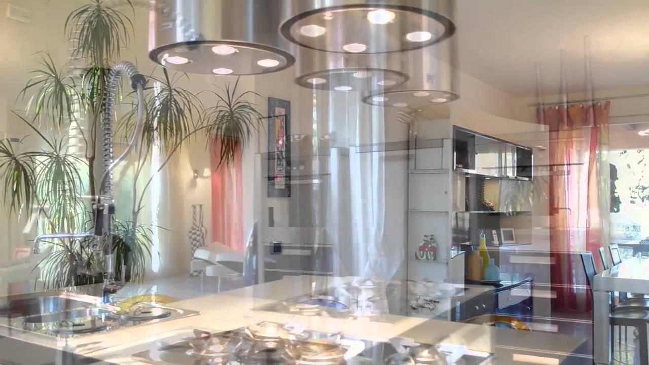 Villa di lusso in vendita a lago garda lombardia italia for Disegni di ville di lusso