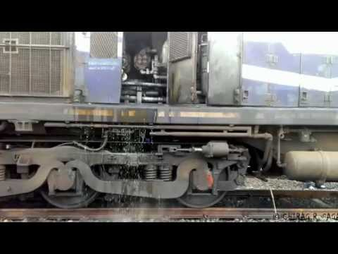 WORST SCENARIO ! DIESEL LOCOMOTIVE FAILED