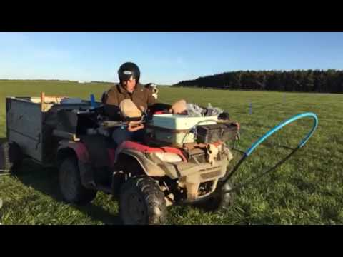 Electric fence crosser