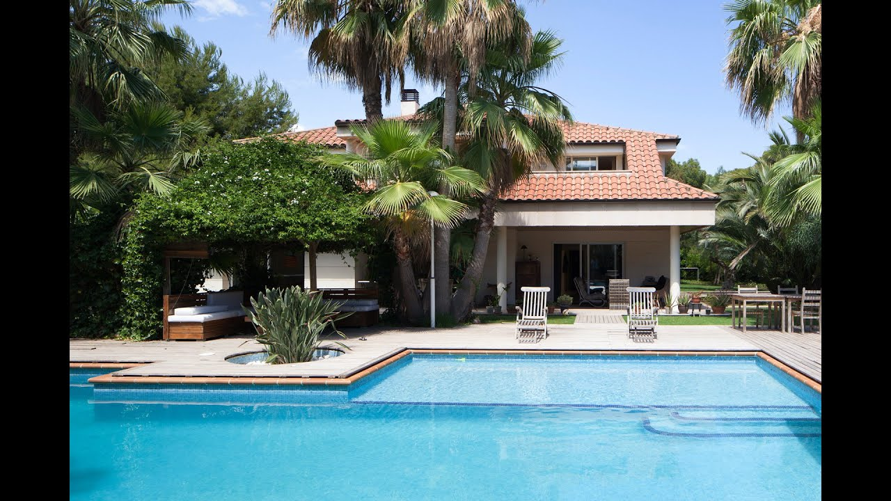 Swimming pool garden  Large villa for sale with beautiful gardens and swimming pool in ...