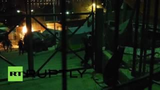 Драка между приезжими произошла в лагере для беженцев в Греции(В лагере для беженцев на греческом острове Самос произошла драка между выходцами из Афганистана, Сирии..., 2016-06-03T07:42:40.000Z)