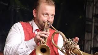 Mnozil Brass - Thomas Gansch-double trumpet - 2 trombe - LIVE Besana 2019