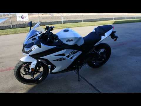 SALE $3,799:  2017 Kawasaki Ninja 300 Pearl Blizzard White Overview and review