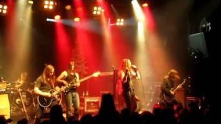 Raskasta Joulua - Jarkko Ahola: Ilouutinen (Live at Tavastia, Helsinki Finland 18.12.2010)
