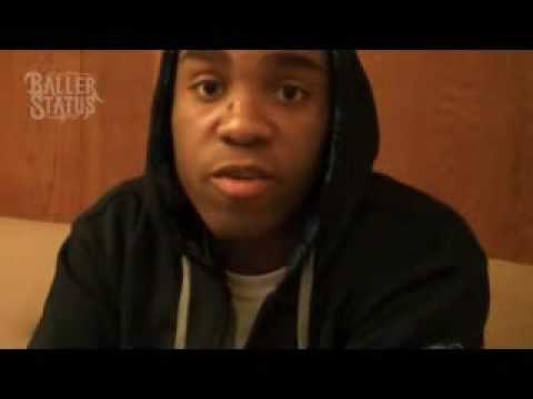 Video Mike Jones Says His Own Friends Robbed His Chain Pendant While He Was Sleepin! irhymenow.com