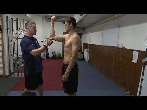 Video z natáčení: Kam dosáhne Plekanec? Kolik má Frolík přes biceps?