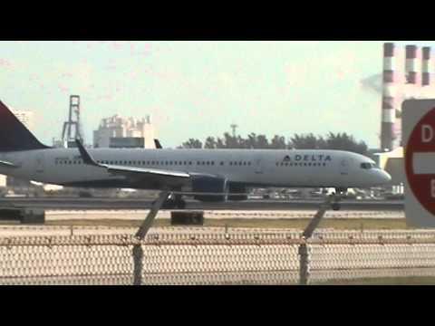 Fort Lauderdale Hollywood International Airport Plane Spotting Compilation