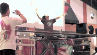 iserobin Live @ firejam2012