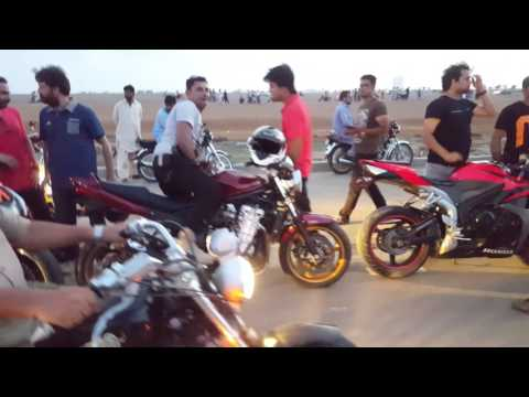 Bikes race in 2 darya sea view karachi