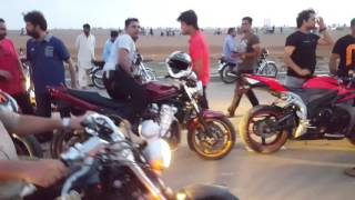 Bikes race in 2 darya sea view karachi