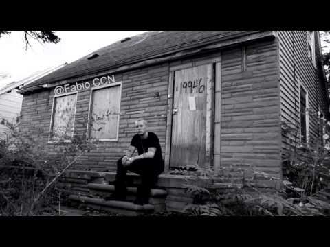 Eminem - Puke (OFFICIAL HD VERSION)