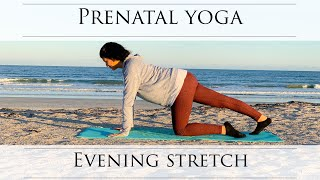 Gentle Prenatal Yoga: Evening Stretch