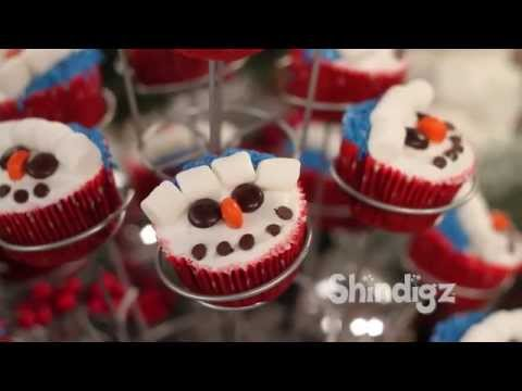 Kids Party Ideas - Christmas Cupcake Decorating - Holiday Recipes - Party Supplies