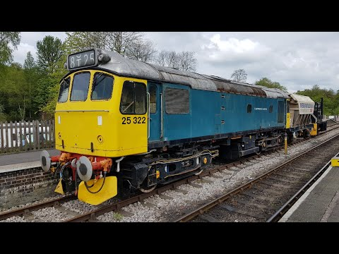 a-close-look-at-25-322-'tamworth-castle'-at-cheddleton---cvr-diesel-gala-may-2019-with-33021/102