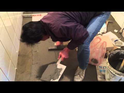 Floor tile installation in Bathroom Part1   (左官)