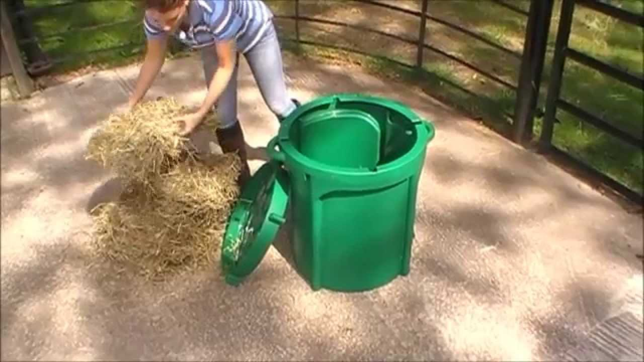 feeders slow pacefeeder standard hay model show new horse product corner special feeder