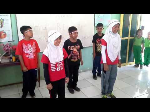SD KARTIKA XX-2 Makassar (Kelas 6) -lomba gerak dan lagu