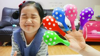 Boram Bermain Dalam Balon Bernyanyi Finger Family Song Nursery Rhymes Learn Color With Balloons
