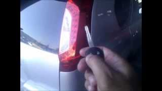 Nissan X-Trail open fuel flap