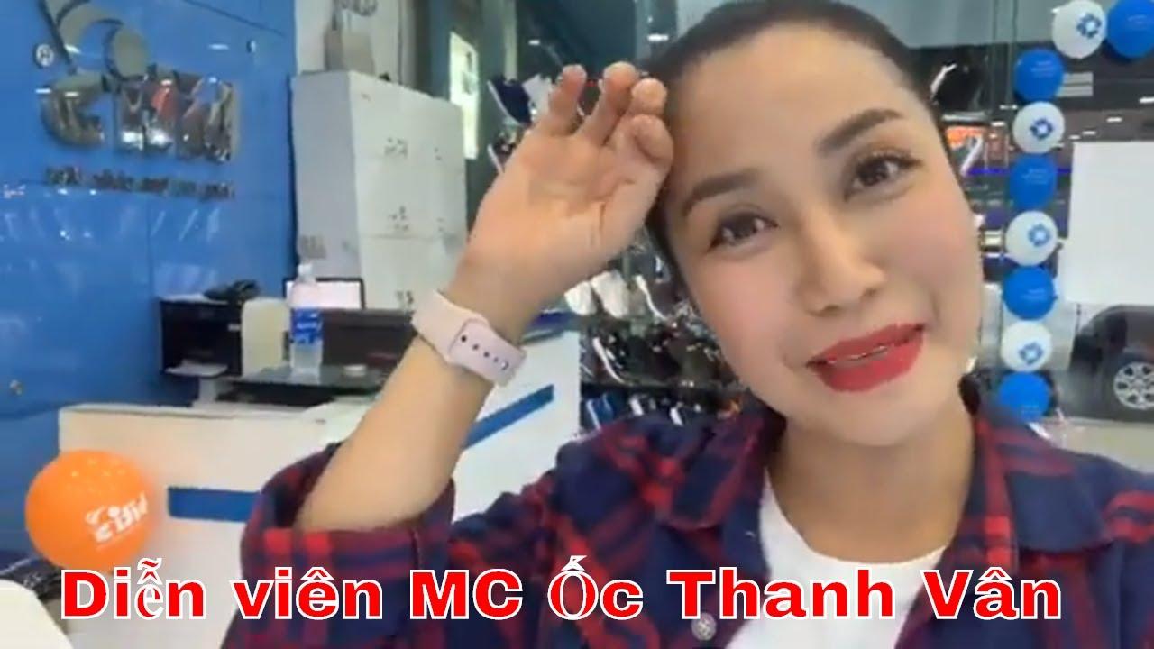 Diễn viên MC Ốc Thanh Vân dẫn con đi mua giày Biti's 12/07/2019